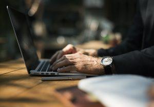 3 Ideias de produtos de baixo custo para vender na internet