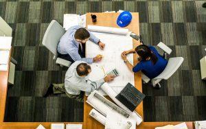 10 Estratégias para economizar na hora de abrir um pequeno negócio