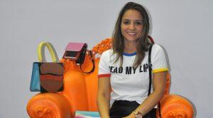 Empresária de 28 anos fatura R$2 milhões com bolsas na internet