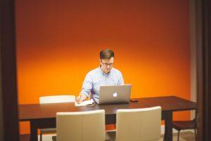 Ecommerce é porta de entrada para o primeiro negócio, diz estudo